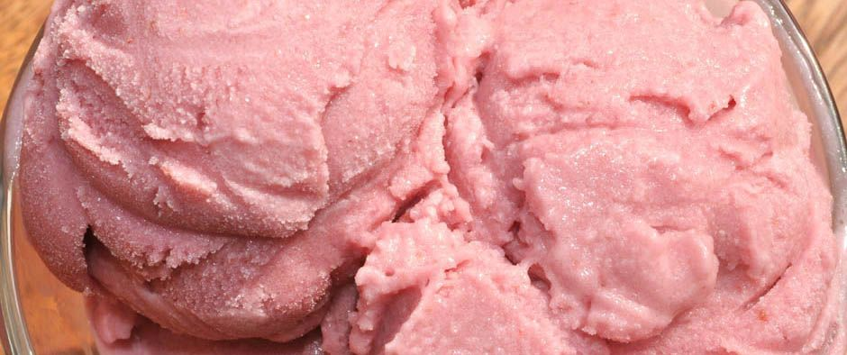 Simply-Scrumptious-Strawberry-Ice-Cream