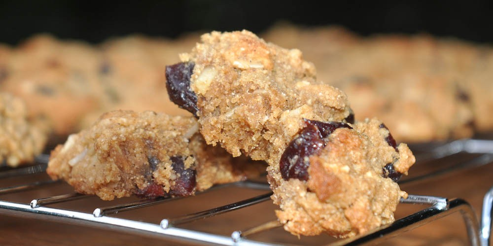 Cherry-Almond-Cookies