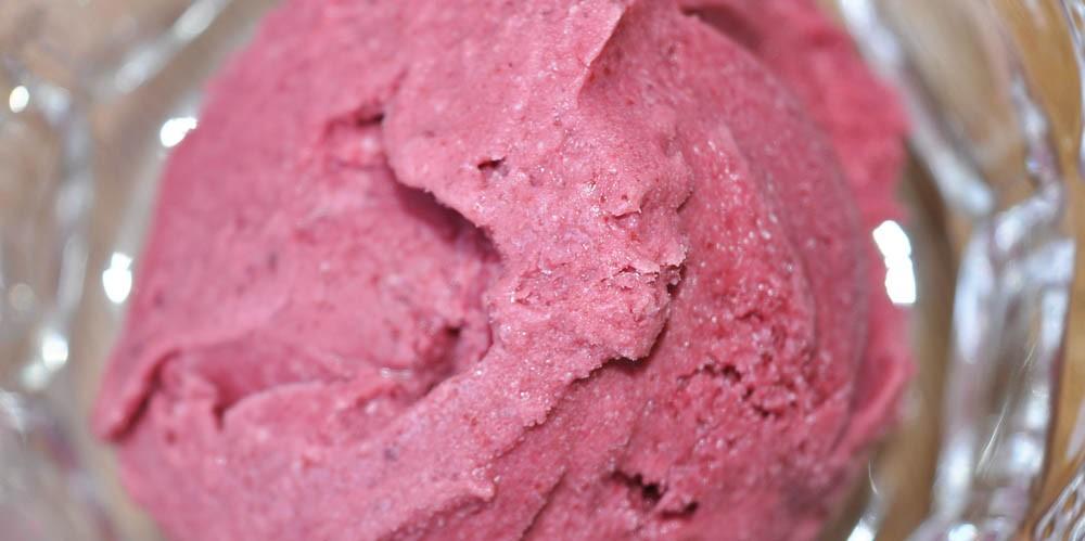 Mixed-Summer-Berry-Ice-Cream
