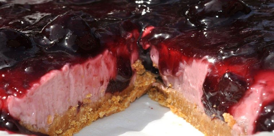 Dark Sweet Cherry Cheesecake