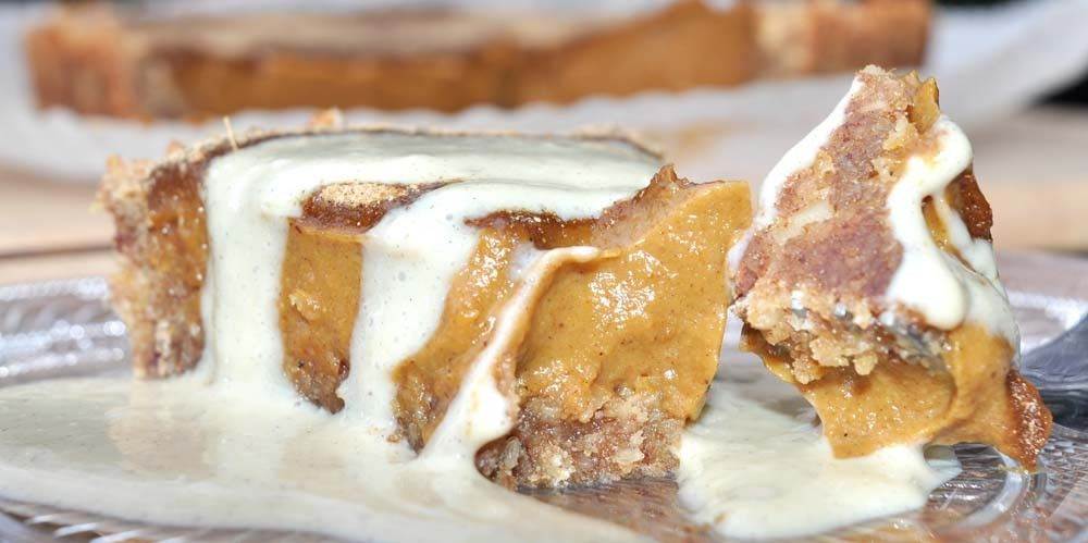 Thanksgiving Pumpkin Pie with Vanilla Bean Custard
