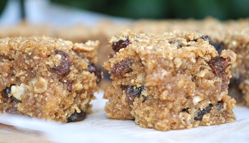 Banana-and-Raisin-Flapjacks-0005