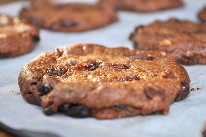 Chocolate-Hazelnut-and-Raisin-Cookies-0001