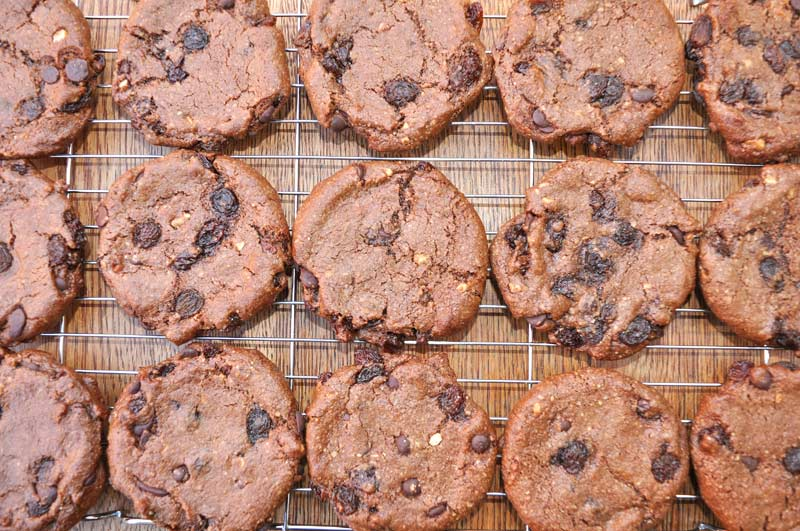 Chocolate-Hazelnut-and-Raisin-Cookies-0003
