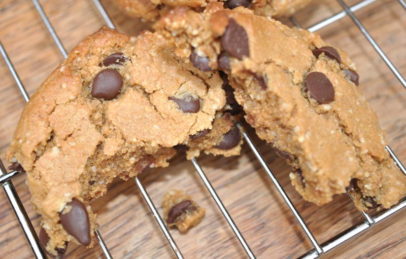 Flourless-Chocolate-Chip-Cookies-0005