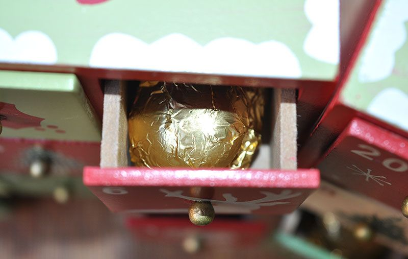 Advent Calendar Chocolates 0009