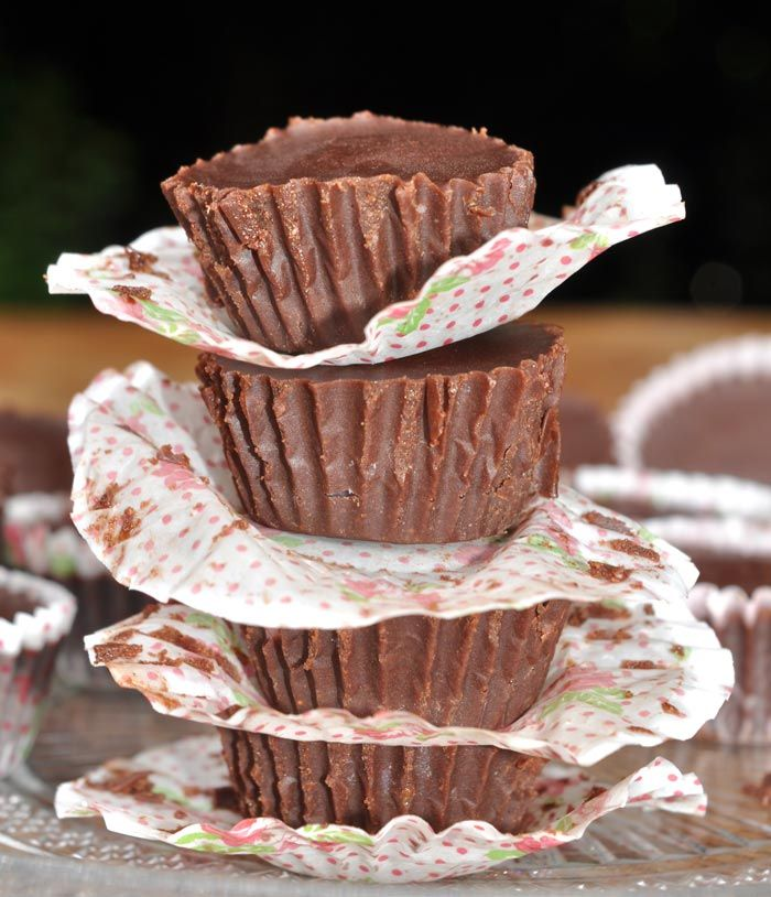 Strawberry Cheesecake Chocolate Cups