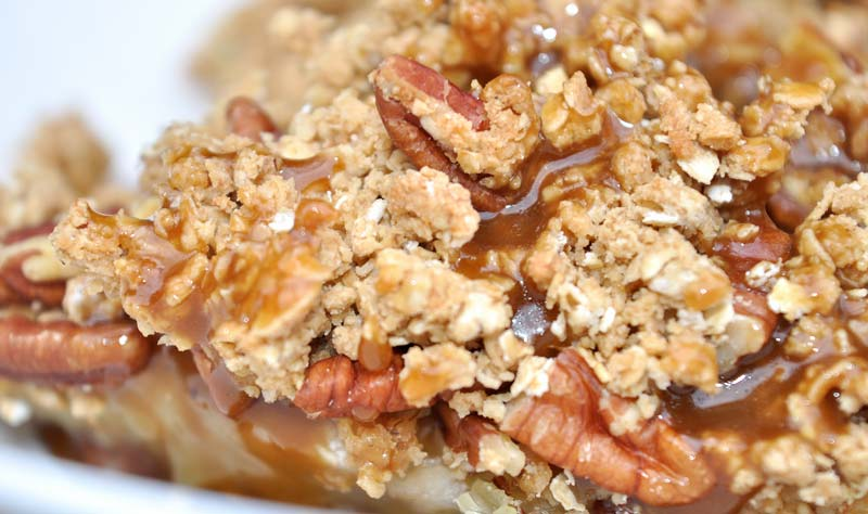 Apple Crisp with Caramel Sauce
